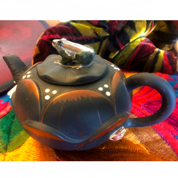 Yixing Teapot Collectables frog